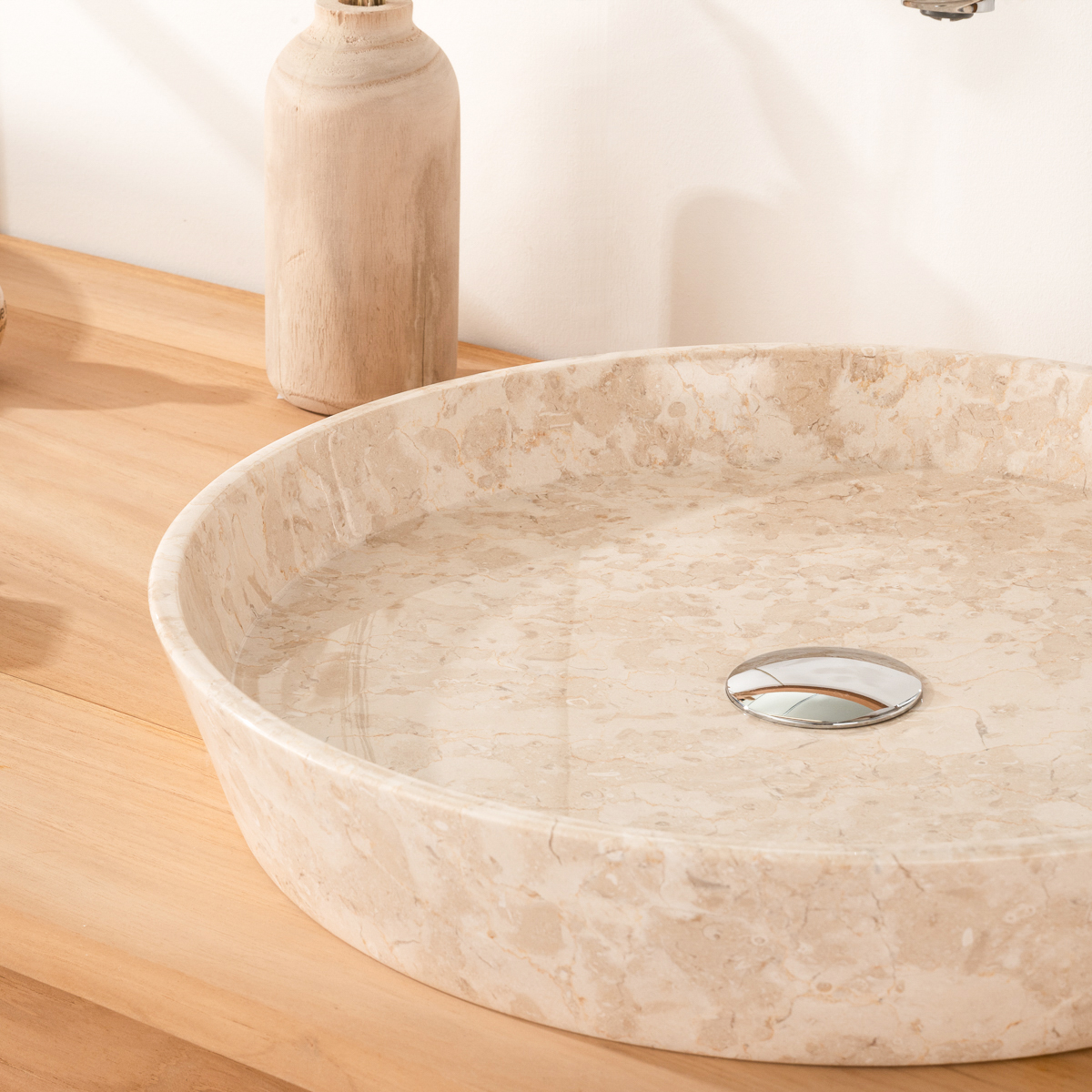 vasque en marbre poser salle de bain malo cr me. Black Bedroom Furniture Sets. Home Design Ideas