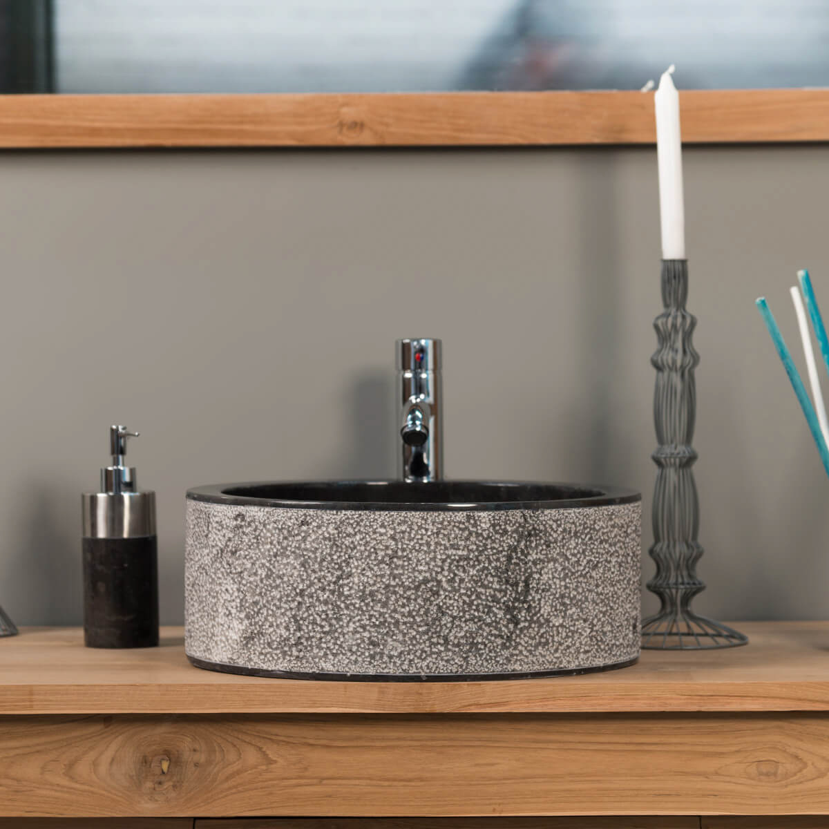 vasque poser marbre ronde noire elbe l 40 x p 40 x h 15 cm. Black Bedroom Furniture Sets. Home Design Ideas