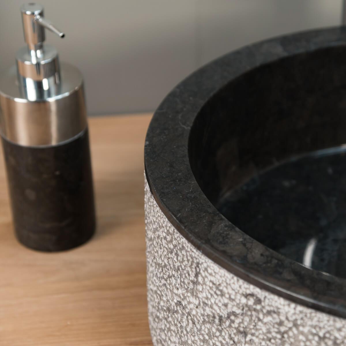 Vasque poser marbre ronde noire elbe l 40 x p for Accessoire salle de bain marbre