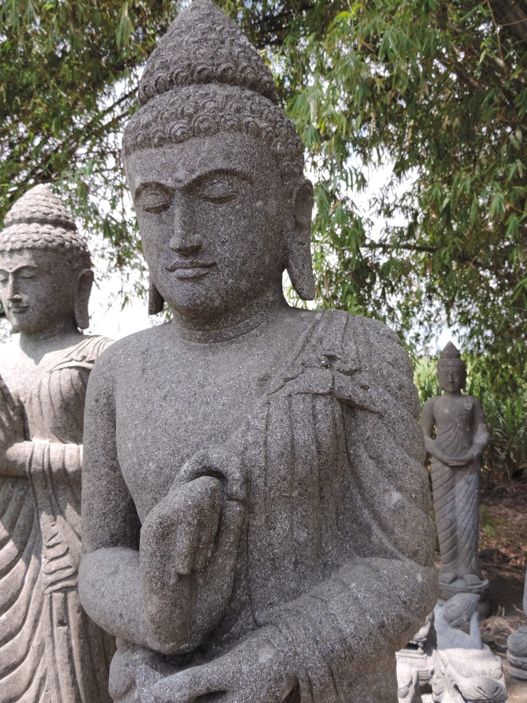 les statues de bouddha en pierres naturelles par wanda collection. Black Bedroom Furniture Sets. Home Design Ideas